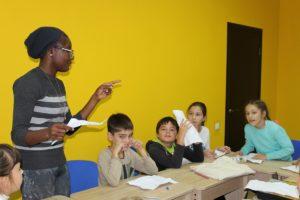 Уроки с носителем английского языка в школе английского языка UNILAND Language School